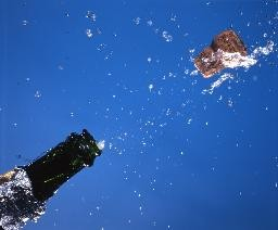 medium_champagne_bouchon.jpg