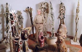 medium_raymond_et_les_sculptures.jpg