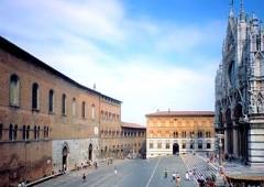 veduta del Santa Maria della Scala su piazza Duomo.jpg