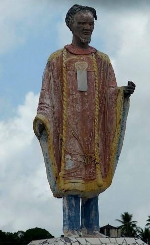 estatua-do-artista-em-sua-terra-natal-japaratuba-sergipe.jpg