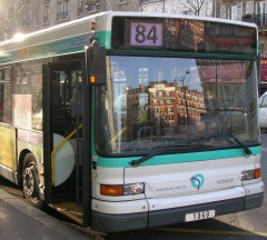 bus 84 paris.jpg